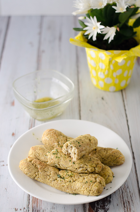 For when you're craving some delicious garlic breadsticks but know you can't eat the traditional gluten-filled kind, these gluten-free and low-carb garlic butter breadsticks will save the day! Made with coconut flour, psyllium husk powder, eggs and a delicious garlic butter seasoning.