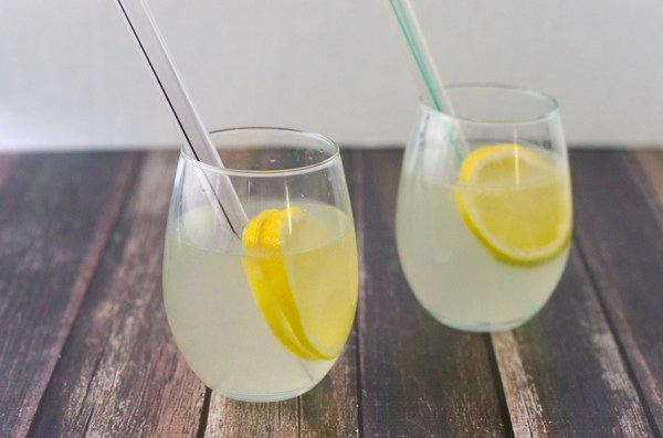 A simple refreshing beverage, perfect for summertime! Simply squeeze the juice of one lemon into a cup, add water and stevia and chill. Vegan, vegetarian, Paleo, low-carb, ketogenic.