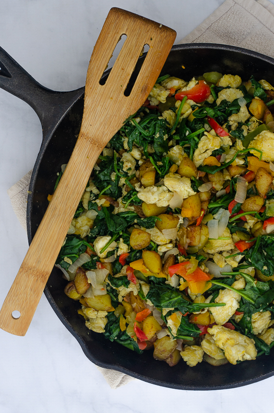 A basic, but super-delicious veggie breakfast skillet, perfect for any crowd! Paleo, Whole30, vegetarian, gluten-free, grain-free, dairy-free.