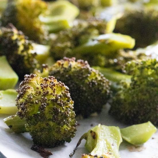 Garlic Roasted Broccoli [Vegan, Keto, Paleo]