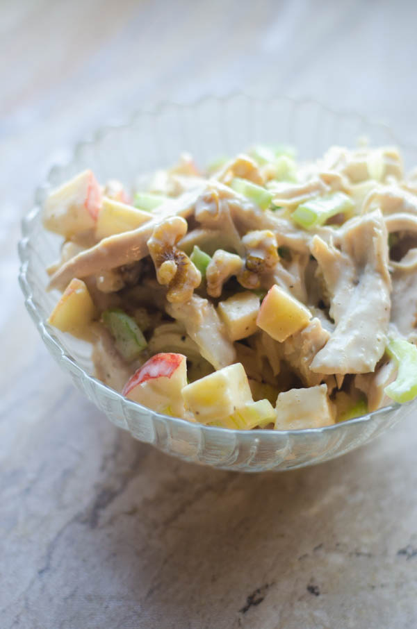 A delicious dish for warm days and family BBQs, this apple chicken salad is simple and healthy! Paleo, Whole30, dairy-free.