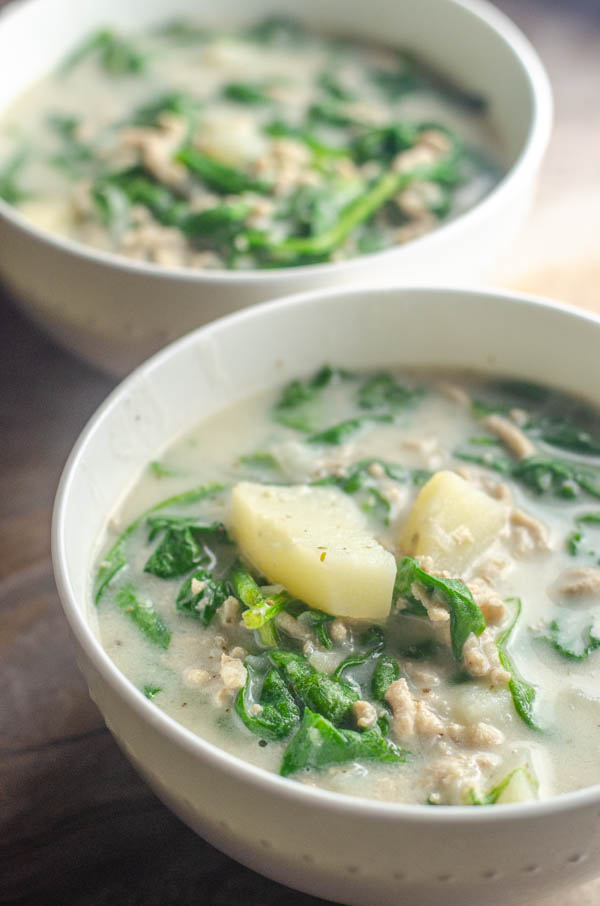 This instant pot paleo zuppa toscana is a quick and easy recipe for any night of the week. Tastes just like Olive Garden, but healthier! Gluten-free, dairy-free.