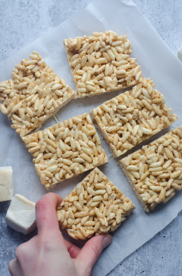 These healthier rice krispie treats are just as delicious, but have higher quality ingredients and less allergens. Gluten-free, corn-free, soy-free.