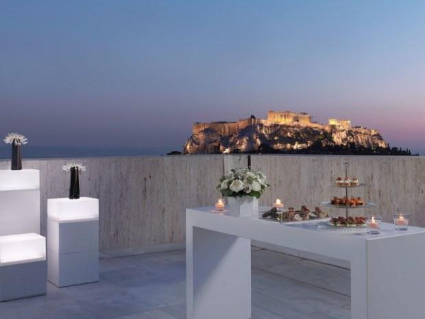 Μια-μαγική-βραδιά-στην-Προεδρική-Σουίτα-του-NJV-Athens-Plaza