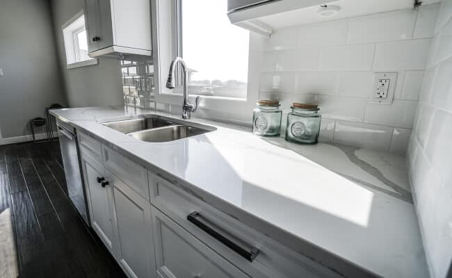 Clean Kitchen Counters With Half A Lemon