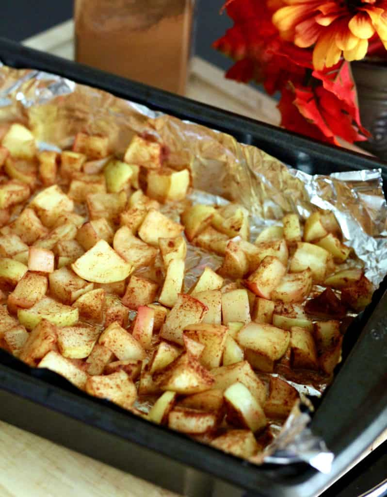Baked apples in baking pan