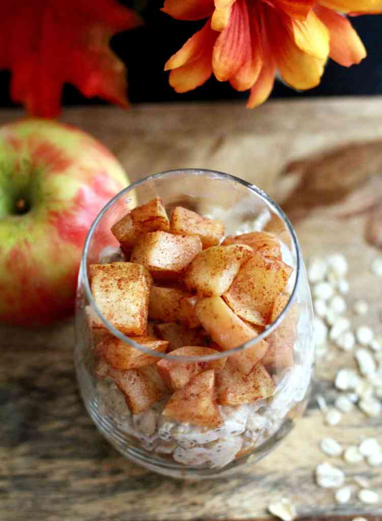 Healthy baked apple overnight oats