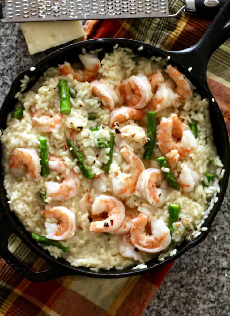 Healthy shrimp and asparagus risotto