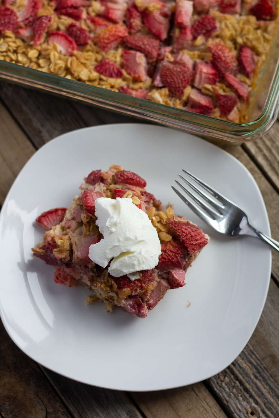 Healthy Strawberry Baked Oatmeal