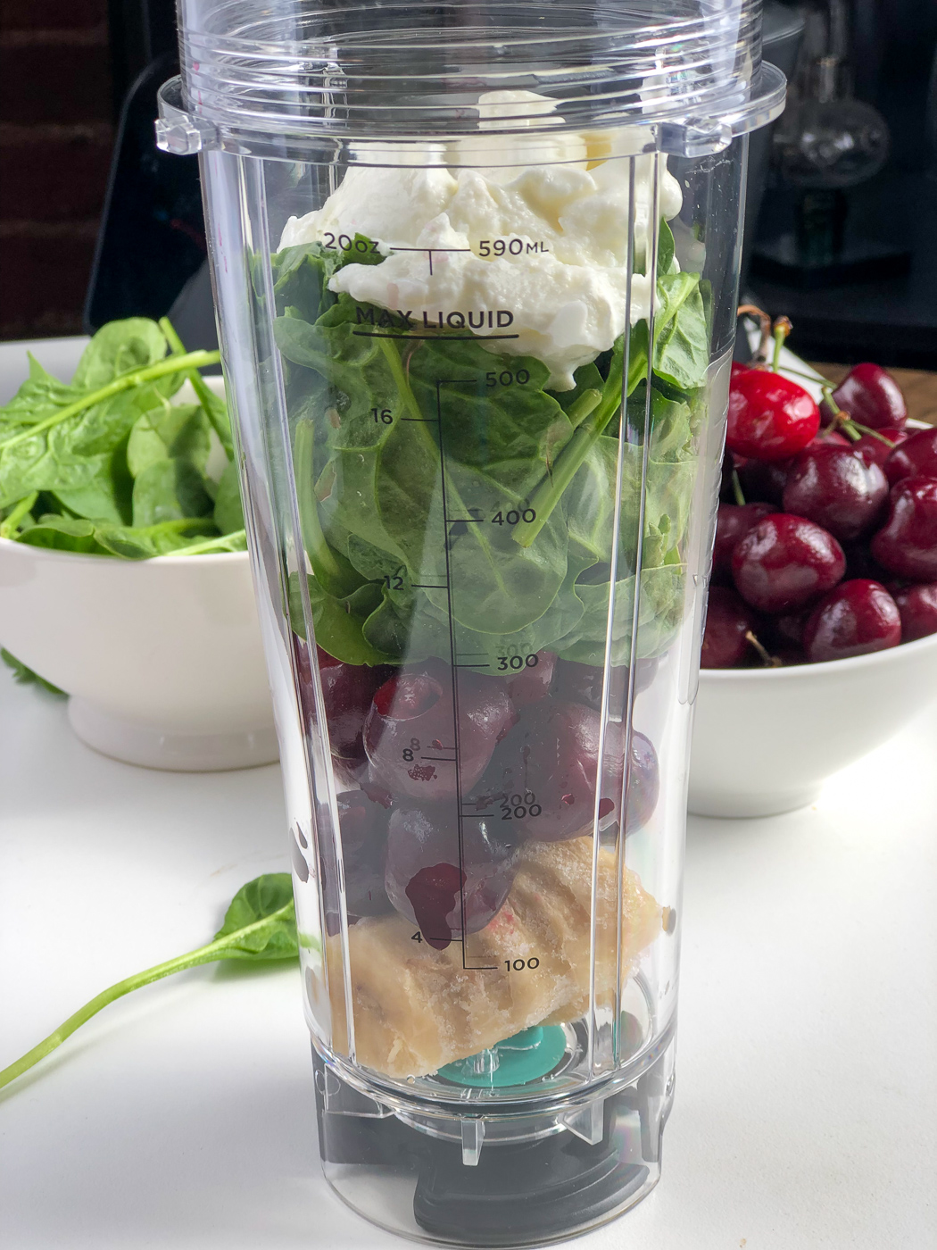 Healthy Spinach and Cherry Smoothie