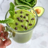 Healthy Avocado Mint Green Smoothie Recipe