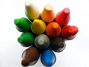 Crayons, vertical