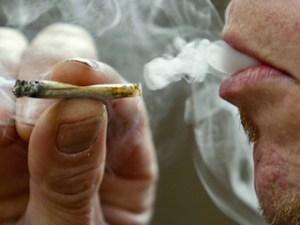 smoking-marijuana-cigarettes-1