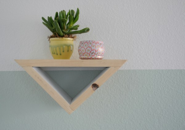 Triangle Shelf Close Up