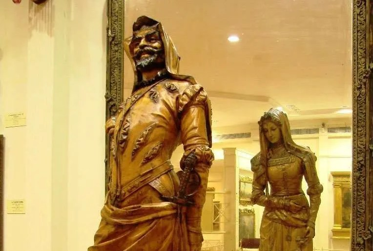 The Double Statue of Mephistopheles & Margaretta : Salar Jung Museum