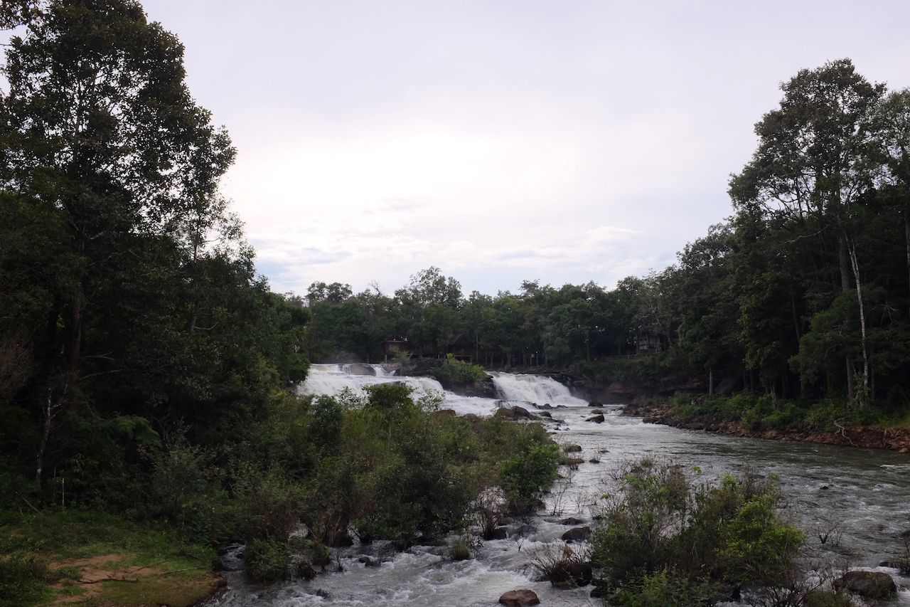 Relax around the Tad Lo and Tad Hang waterfalls (Bolaven Plateau, Laos)
