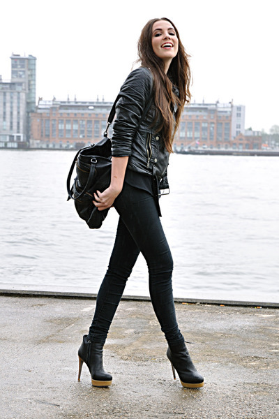 What boots are in fashion 81