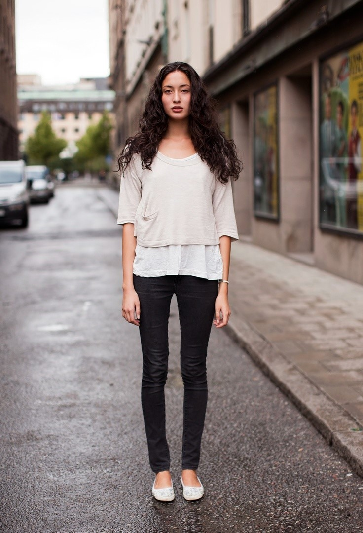 Outfits with flats Jeans and ballet flats