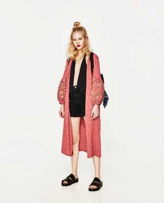 What to Wear to a Music Festival Outfit Bohemian Duster Kimono Pink