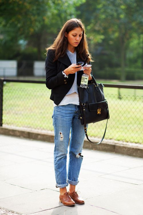 Oxford shoes outfit ideas. How to Wear Oxford Shoes with boyfriend jeans 4f6be38ec