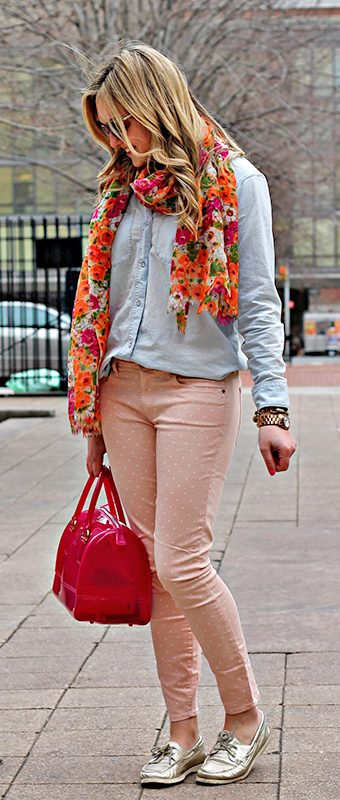 cute outfits with boat shoes and pink pants