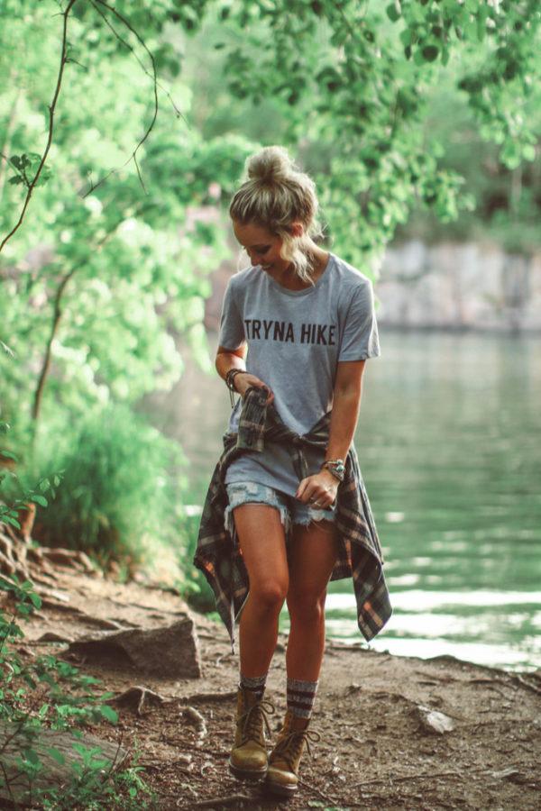 Fashionable hiking outfits tryna hike