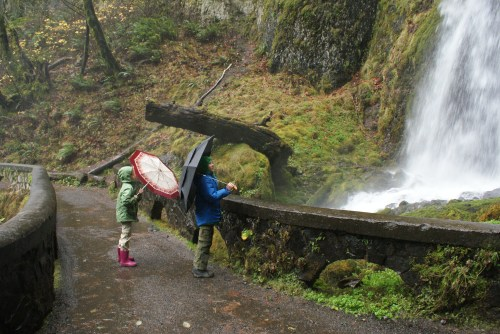 hiking with children, Columbia River Gorge, waterfall trail