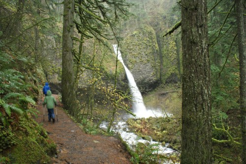 oregon waterfalls, columbia river gorge, hiking with children