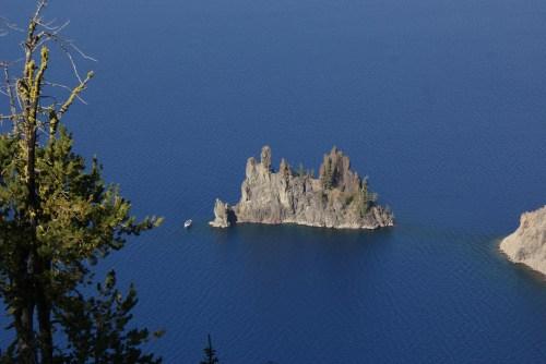 crater lake, phantom ship, oregon vacation, rim drive