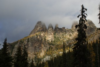 blue lake trail, north cascades, larches, hikes for kids
