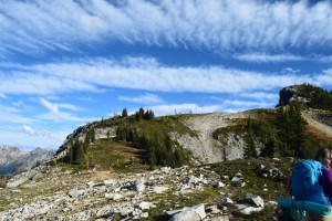 maple pass, heather maple pass trail, north cascades, kids in nature, fall hikes, larches