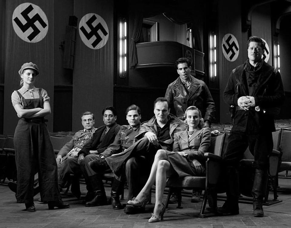 Mélanie Laurent, Christoph Waltz, Omar Doom, Daniel Brühl, Quentin Tarantino, Eli Roth, Diane Kruger and Brad Pitt. Cast and director of 'Inglourious Basterds' (2009).