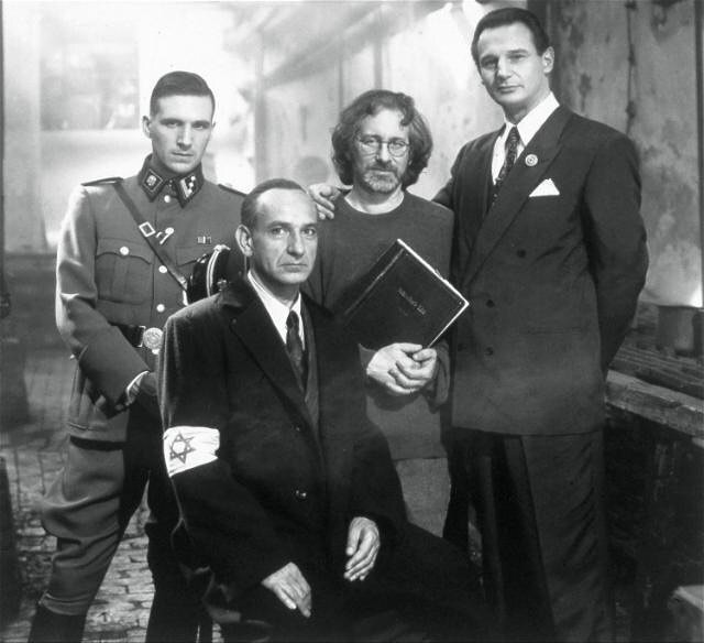 Ralph Fiennes, Ben Kingsley, Steven Spielberg and Liam Neeson on the set of 'Schindler's List' (1993)