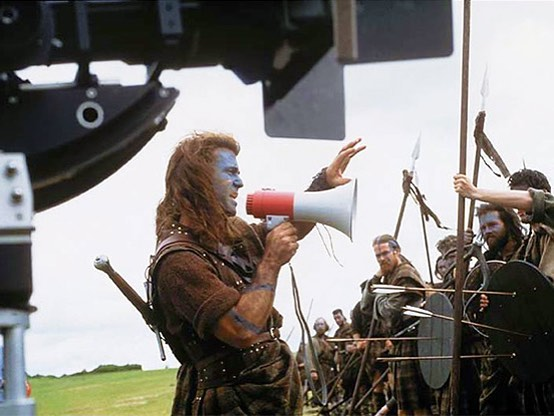 Mel Gibson directing the battle scene in 'Braveheart' (1995)
