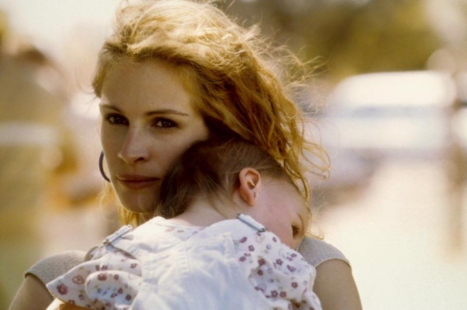 Julia Roberts in 'Erin Brockovich' (2000). The story about an unemployed single mother who battle a California power company accused of polluting a city's water supply.
