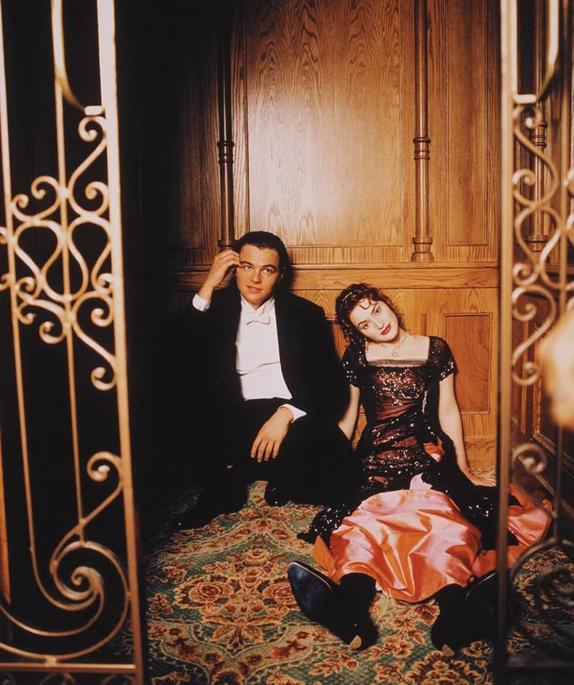 Leonardo DiCaprio and Kate Winslet waiting for the next take in