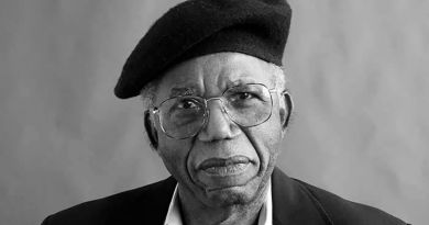 Image of Chinua Achebe