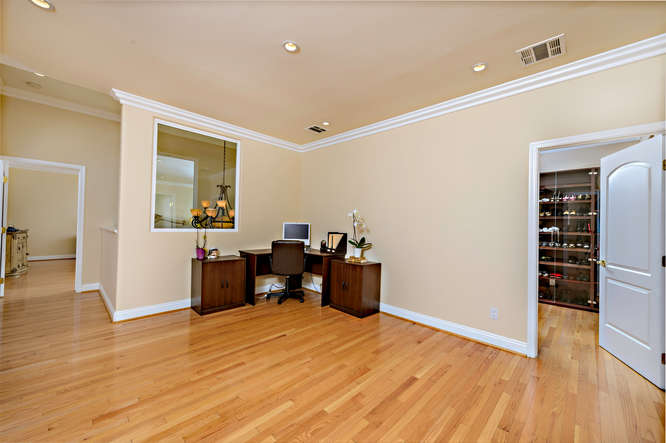 15043 Sutton St Sherman Oaks-small-058-0155-666x444-72dpi