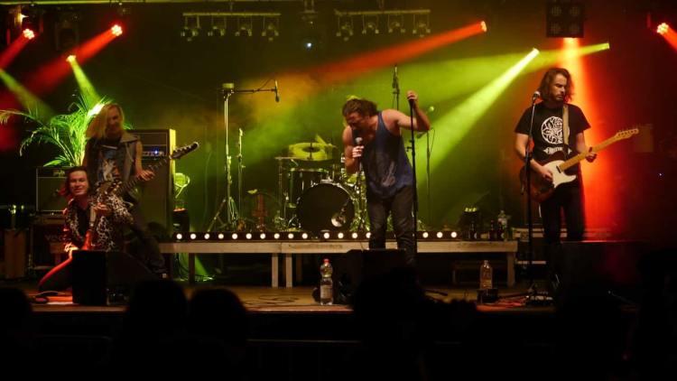 Snake pit concert