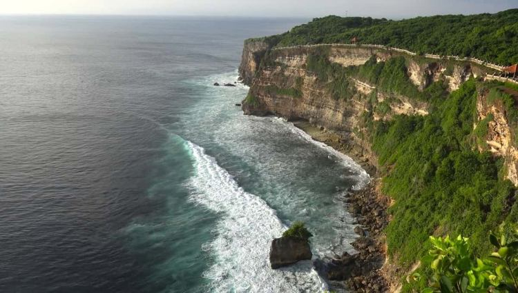 Best places to visit in bali uluwatu temple