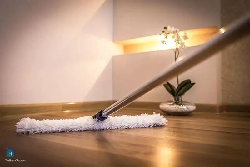 Cleaning Hardwood floor using Vinegar with Microfiber Mop