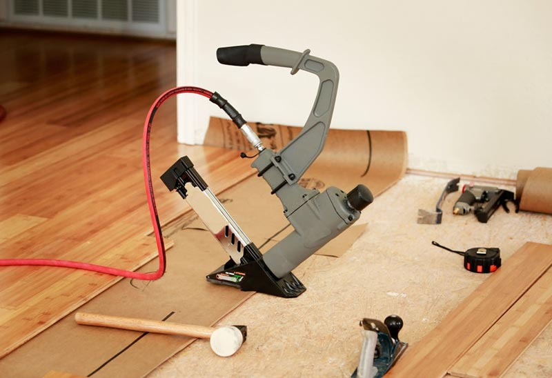 Pneumatic Nailer-and-tools-for-floor-installation