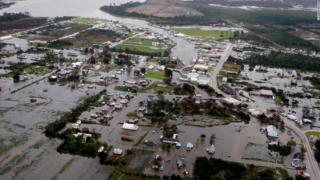 'Ocean surge swallows 15 towns, submerges 75'