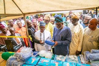 ODSG distributes materials to vulnerable children