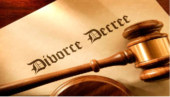 Trader seeks dissolution of 21-yr-old marriage