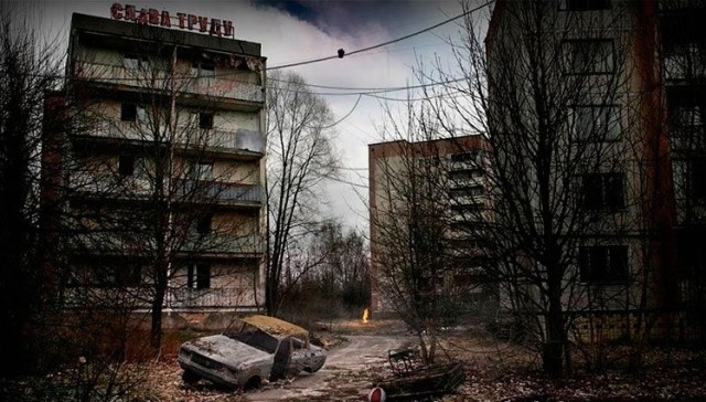 These abandoned Post-Apocalyptic looking Ghost Towns raise a serious question