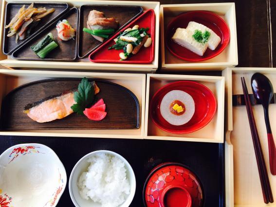 Hoshinoya Karuizawa breakfast bento