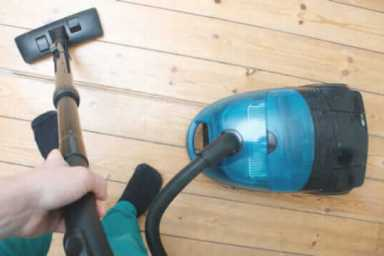The 10 Best Hardwood Floor Vacuums to Buy in 2018