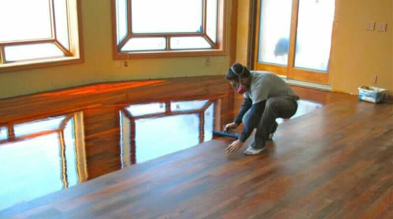 applying-polyurethane