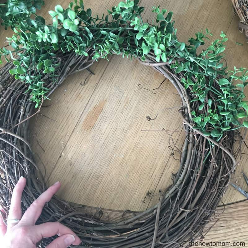 Easy Faux Boxwood Wreath DIY